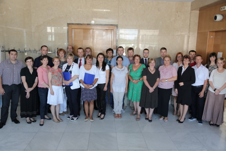 "Projekat ""Lokalna intersektorska inicijativa za podršku zapošljavanju teško zapošljivih građana i građanki u Kniću"", Razvojnog biznis centra iz Kragujevca"